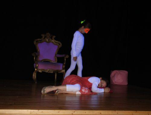 Figuren-, Masken- und Schwarzlichttheater